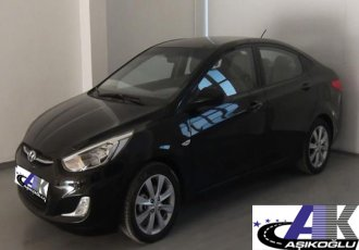 Hyundai Accent Blue Sedan Mode Crdi 1.6 DİZEL 2013 Siyah